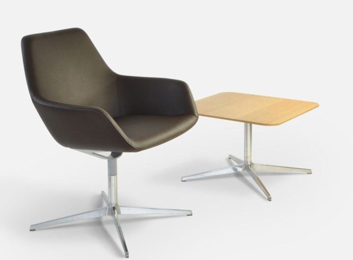 HM86 chair in leather  + table
