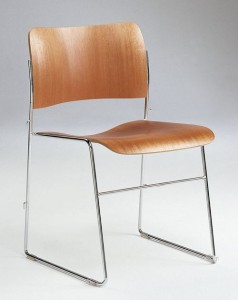 40/4 stacking and linking chair