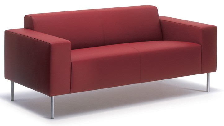 HM18 sofa with low armrests