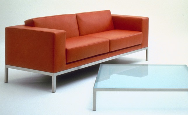 HM25 sofas in leather