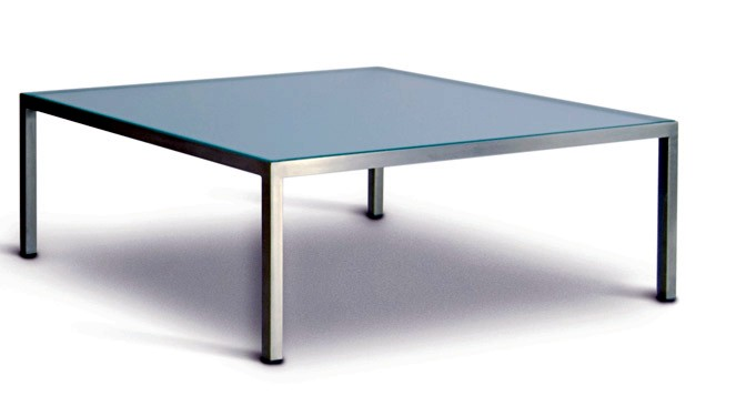 HM25 table in glass