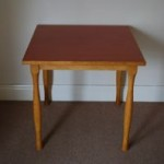 Second-hand table
