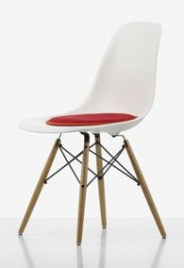 Seat dot cushions on Eames' DSW