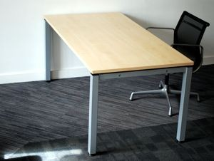Second-hand meeting table